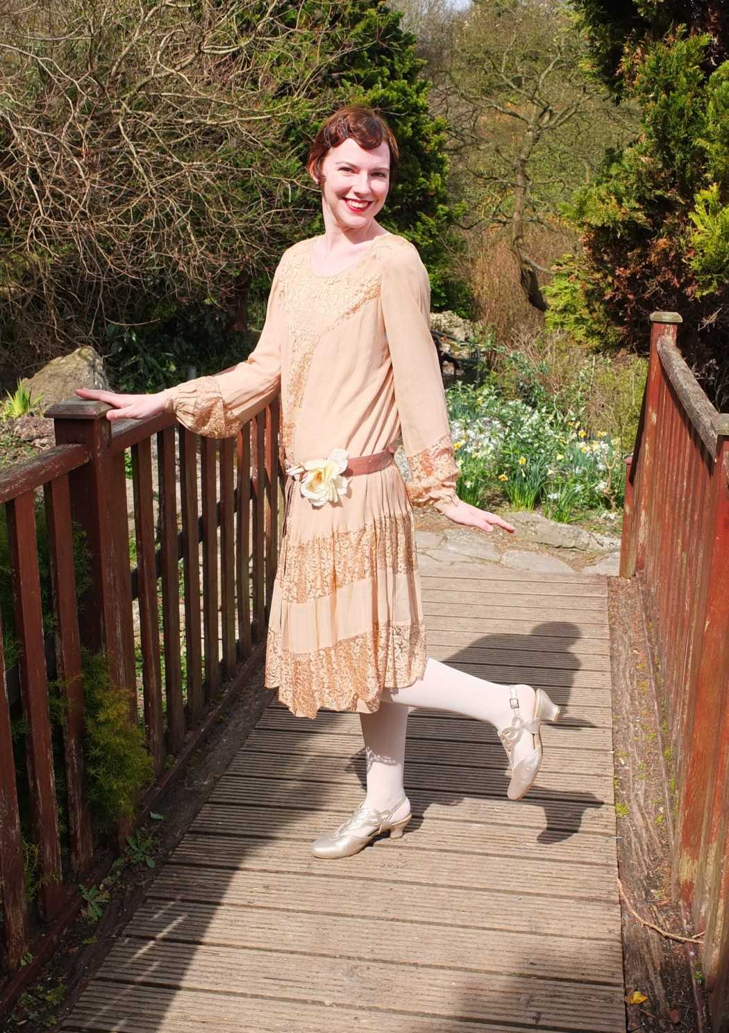 Vintage blogger Jenny Mearns recreates a 1920s look with women's heel Juliette in Soft Gold