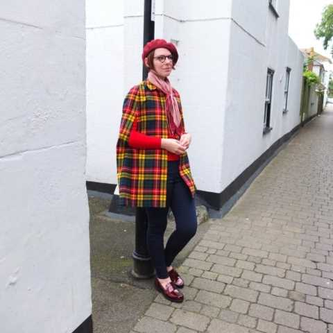 Vintage blogger Jenny Mearns wearing Hotter shoe Crimdon