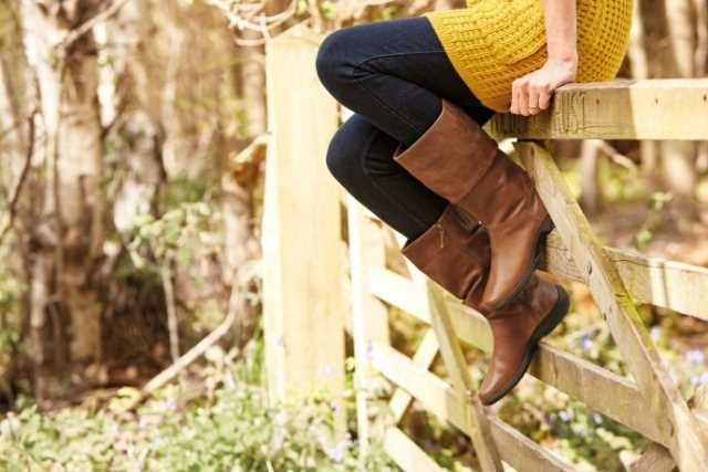 Comfortable, stylish, women's boot Mystery in Tan