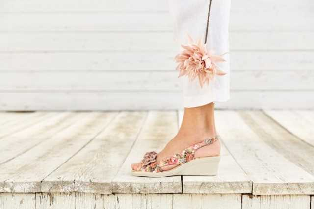 Hotter Originals, Hotter shoes, British made shoes, canvas pumps, trainers, active shoes, floral trend, SS17, new season shoes, comfortable women's shoes, ballerina flats, Jewel shoes, wide fitting shoes, wedge heel, summer shoes, comfortable heels