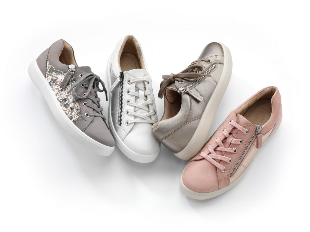 buy popular 127a3 1d64d Sneaker Chic   IT'S A SHOE THING